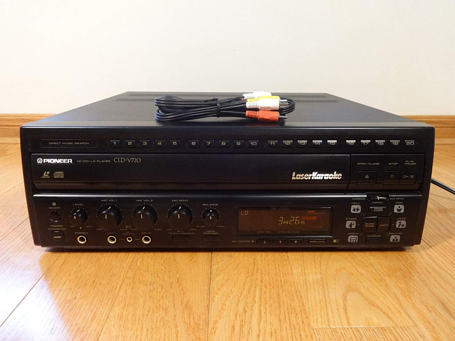 Pioneer CLD-V720 LaserDisc LD/CD Player Laser Karaoke Made in Ja